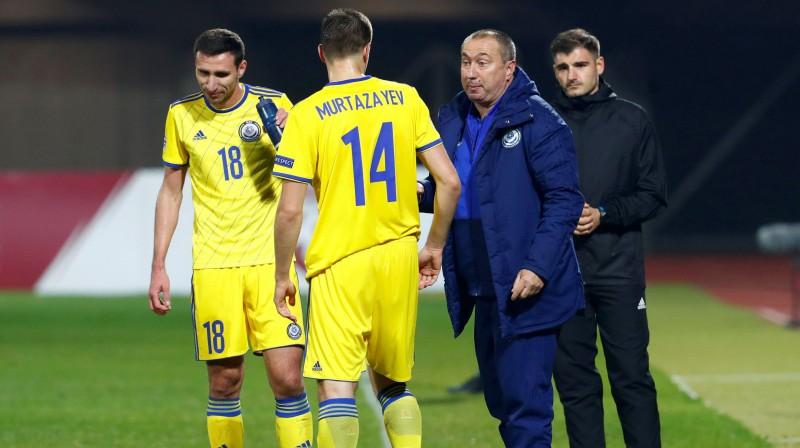 Kazahstānas futbola izlases galvenais treneris Staņimirs Stoilovs pirms spēles Rīgā. Reuters/Scanpix