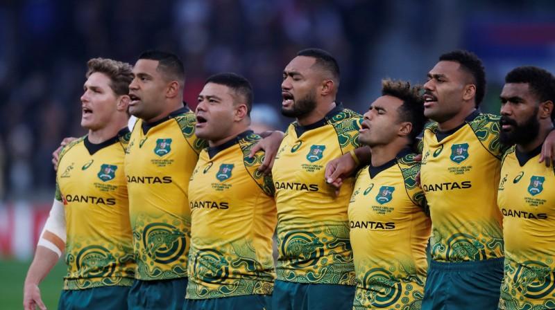 Austrālijas izlases spēlētāji pirms mača pret Angliju Foto: Reuters/Scanpix