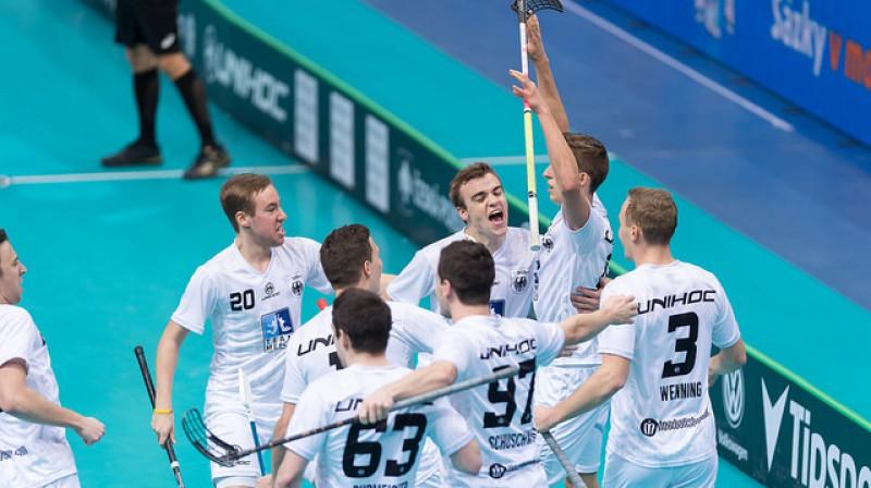 Vācieši pēc uzvaras pār dāņiem nodrošinājuši vismaz sesto vietu un iespēju vēlreiz tikties ar Latviju Foto: IFF Floorball