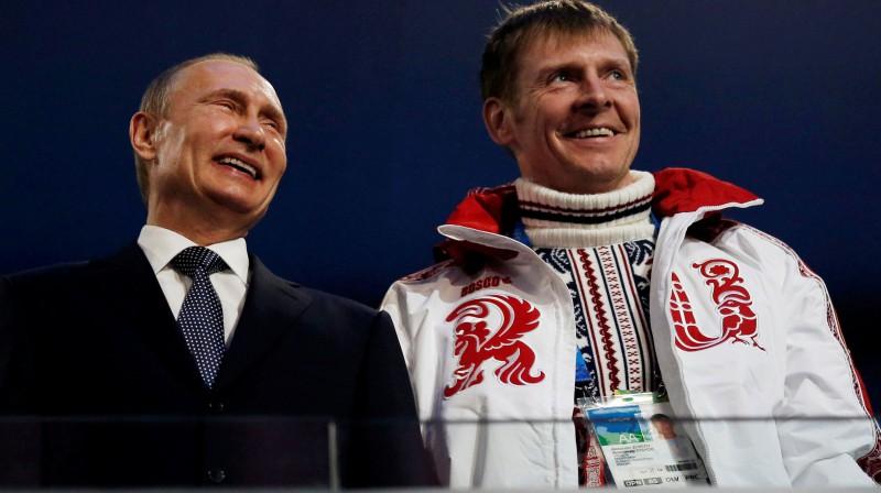 Vladimirs Putins un FBR prezidents Aleksandrs Zubkovs. Foto: Reuters/Scanpix