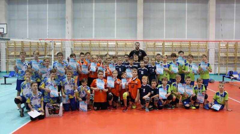 Godalgoto vietu ieguvēji U-12 grupā Foto: Latvijas Volejbola federācija