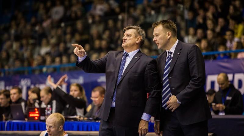 Aleksandrs Krucikovs un Edmunds Valeiko. Foto: VTB League