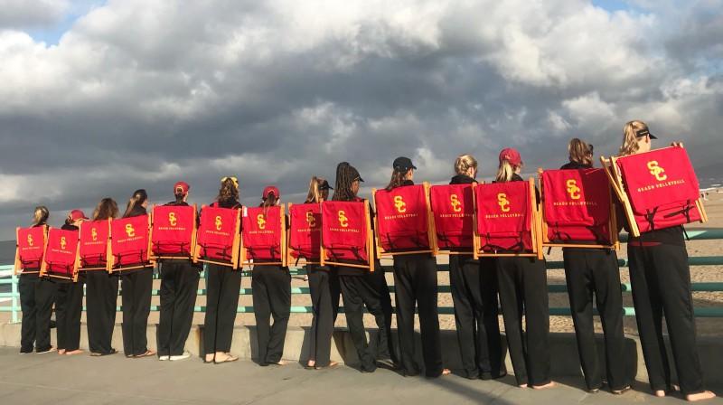 USC komanda Manhetenas pludmalē Losandželosā. Foto: USC Beach Volleyball