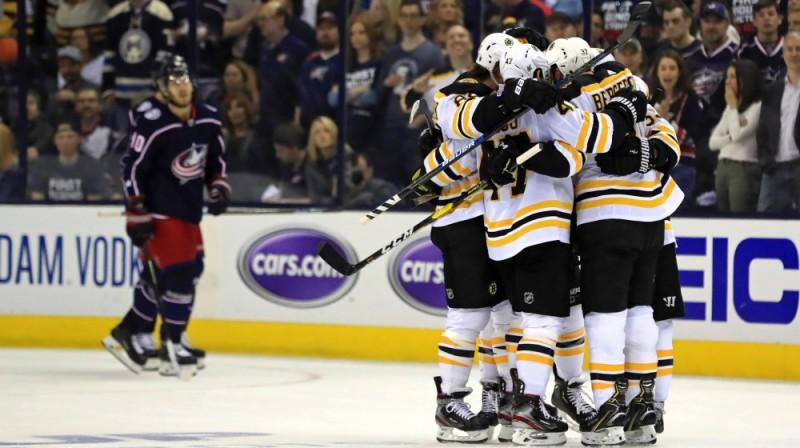 """""""Bruins"""" prieki pēc vārtu guvuma. Foto: USA Today Sports"""