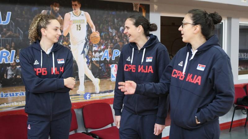 Aleksandra Crvendakiča, Soņa Petroviča un Jeļena Milovanoviča 2019. gada 15. maijā. Foto: KSS