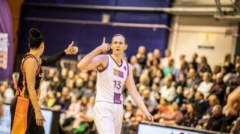 Aija Brumermane Eirolīgas ceturtdaļfinālā pret Jekaterinburgas UGMK. Foto: FIBA