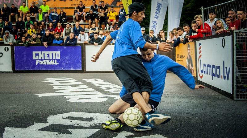 """""""Ghetto Football"""" trīs pret trīs futbols Grīziņkalnā. Publicitātes foto"""
