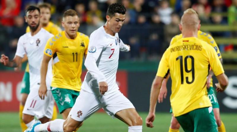 Krištianu Ronaldu pret Lietuvu. Foto: Reuters/Scanpix