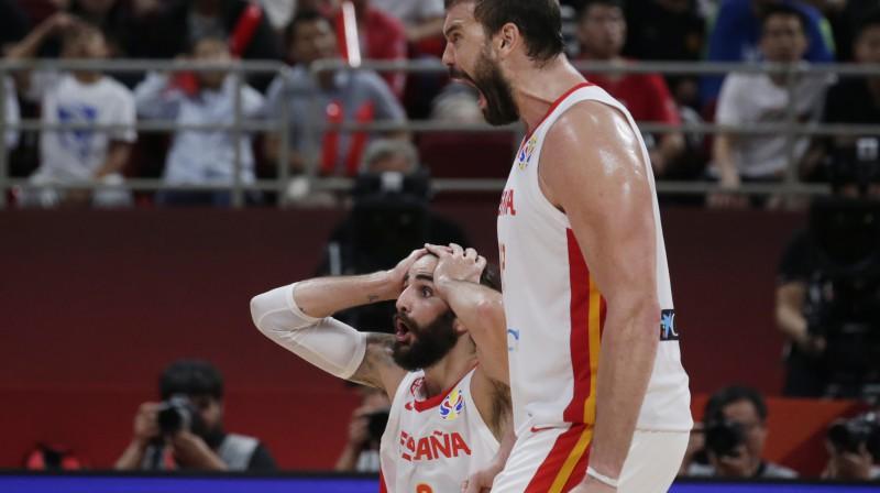 Marks Gazols un Rikijs Rubio - Spānijas izlases rezultatīvākie spēlētāji šajā turnīrā. Foto: Reuters/Scanpix