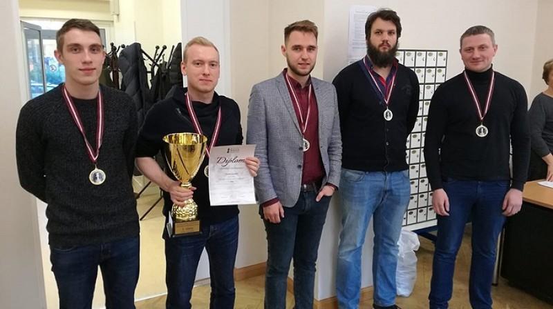 "Čempionkomanda ""Termo-Eko/RŠF"". Foto: Latvijas Šaha federācija"