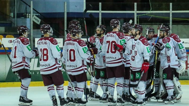 Kaspars Daugaviņš un Latvijas izlase. Foto: LHF