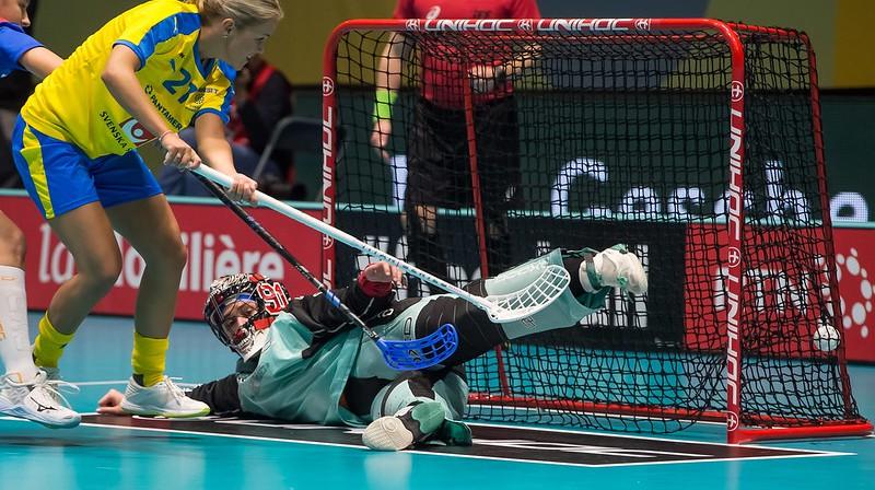 Zviedrijas izlase turnīru sākusi vareni