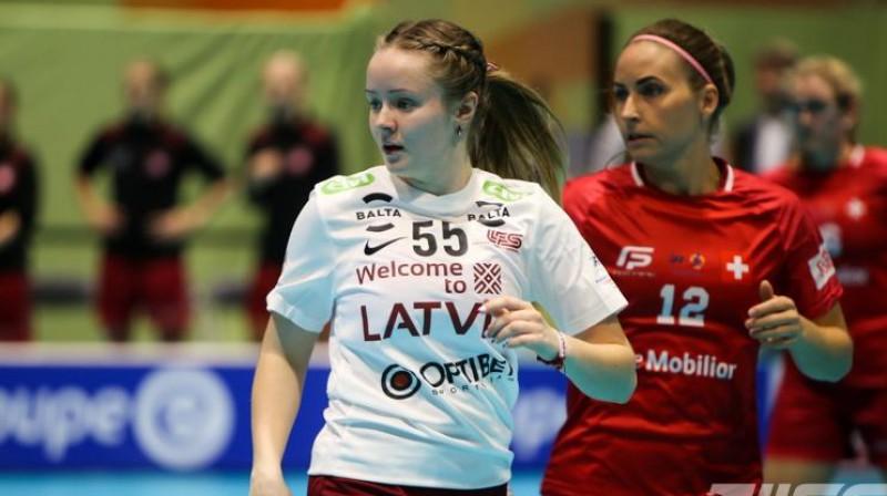 Laura Gaugere rezultatīva bijusi gan šajā turnīrā, gan iepriekšējās spēlēs pret Poliju. Foto: Ritvars Raits, Floorball.lv