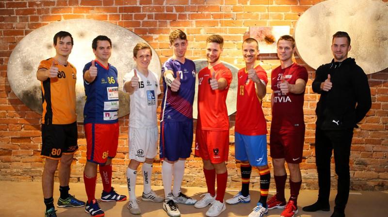 Visu izlašu kapteiņi pirms kvalifikācijas turnīra Foto: IFF Floorball
