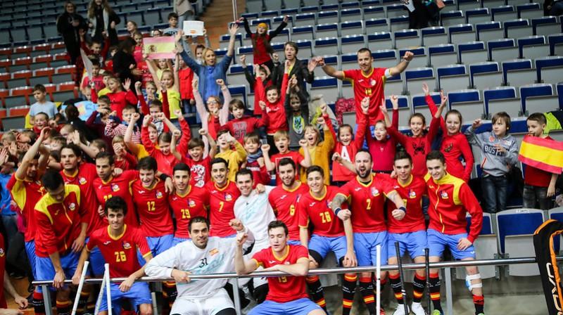 Spāņi izcīnīja otro vietu grupā un šodien centīsies pārsteigt Vāciju Foto: IFF Floorball