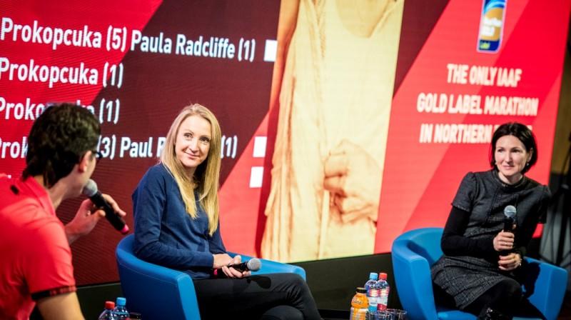 Pola Redklifa un Jeļena Prokopčuka. Publicitātes foto
