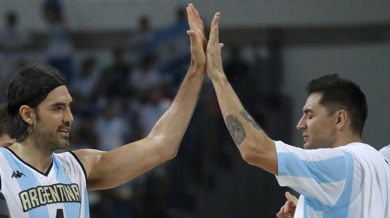 Luiss Skola un Karloss Delfino. Foto: Reuters / Scanpix
