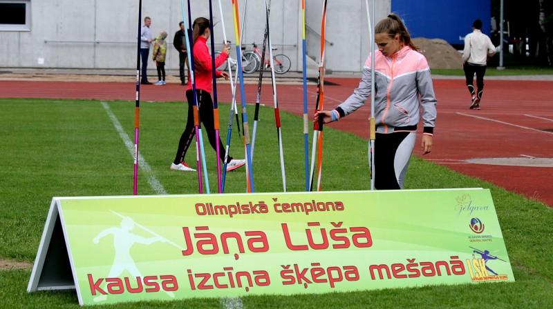 Jāņa Lūša kausa izcīņa šķēpa mešanā. Foto: Juris Bērziņš-Soms, jelgava.lv