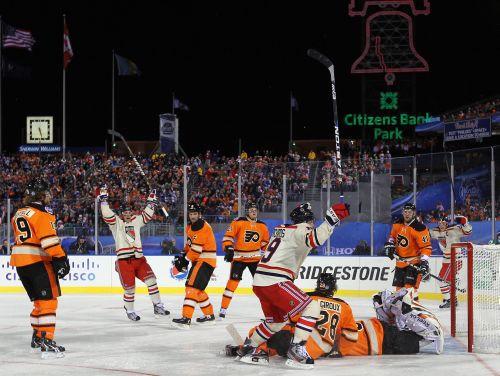 """""""Rangers"""" atspēlē divus vārtus un uzvar dramatiskā Ziemas klasikā"""