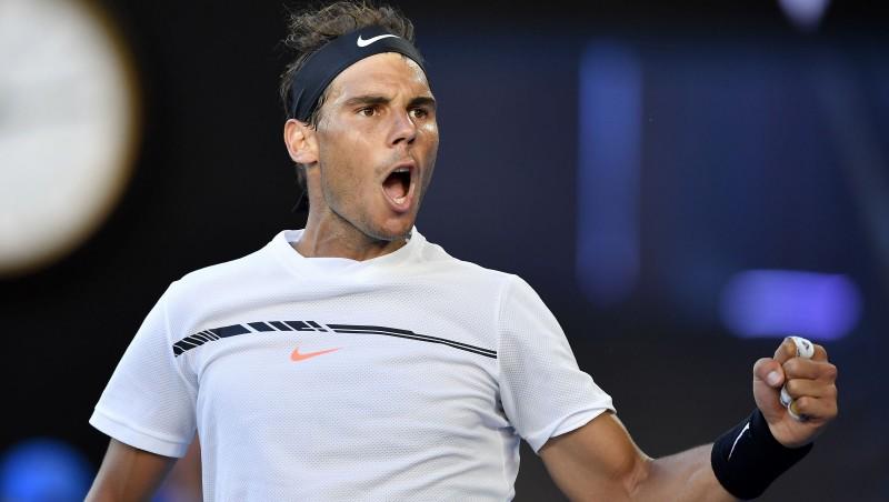 Nadals piecu setu izturības pārbaudē pieveic Zverevu