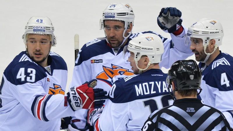 """Trīs """"hat-trick"""" autors Zaripovs - KHL mēneša labākais uzbrucējs"""