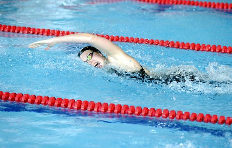 Ņikitina Eiropas čempionātā labo Latvijas rekordu 50 metros tauriņstilā, taču pusfinālā netiek
