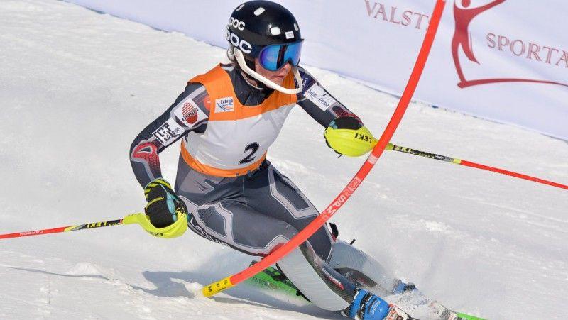 Gasūna izcīna pārliecinošu uzvaru FIS sacensībās Somijā