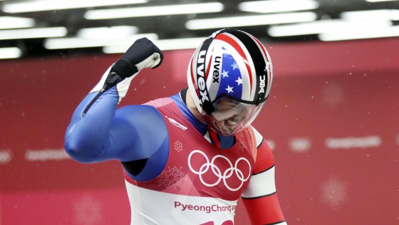 Sudraba medaļnieks no ASV atklāj, ka Siguldā viņam savas kamanas piedāvājis Krievijas sportists