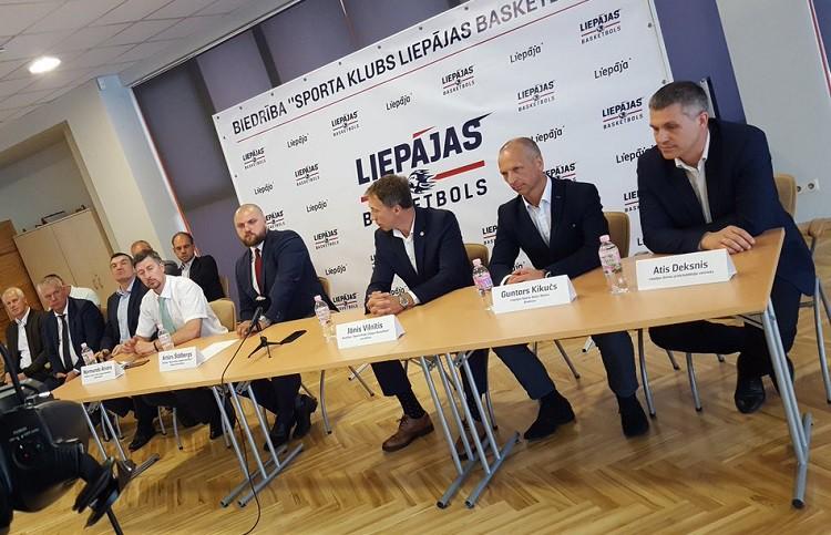 """""""Liepājas basketbola"""" komandas trenēs Artūrs Štālbergs un Kaspars Mājenieks"""
