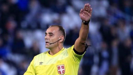 Futbola soģis arestēts par skandalozu lēmumu pieņemšanu