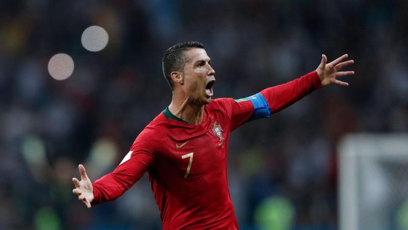 Ronaldu eksplodē, gūstot hat-trick un ievelkot Portugāli Nāciju līgas finālā