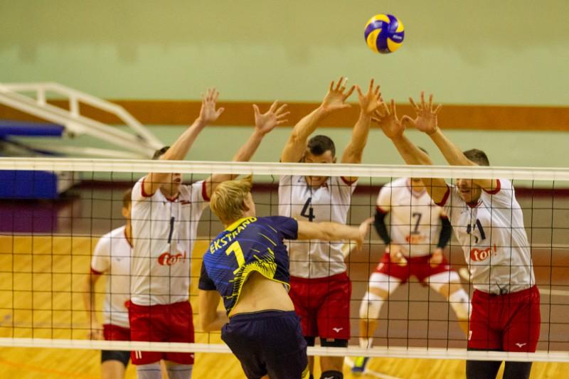 Latvijas volejbolisti vēlreiz apbēdina Zviedriju