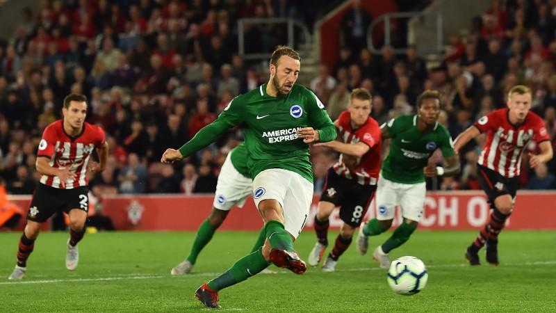 """Divas pendeles un izglābšanās pēdējā minūtē: """"Southampton"""" nenosargā 2:0"""