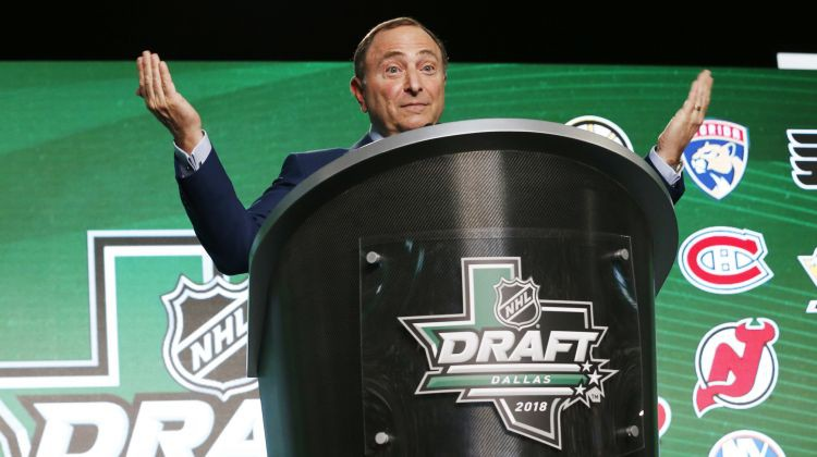 Sietla vēl vienu soli tuvāk savai NHL komandai