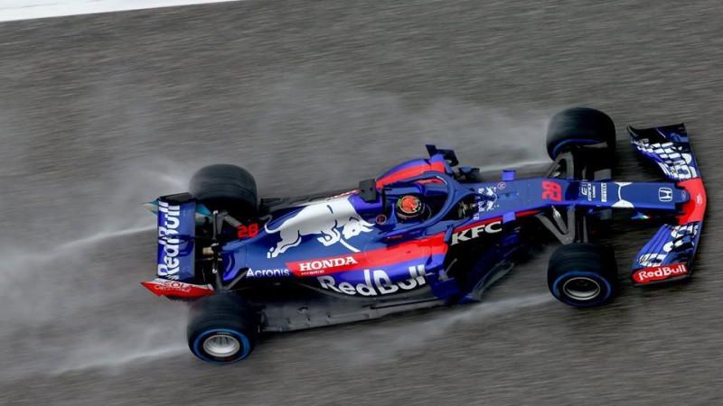 """Okonam sezona būs jāizlaiž, """"Toro Rosso"""" veiks pilotu maiņu"""