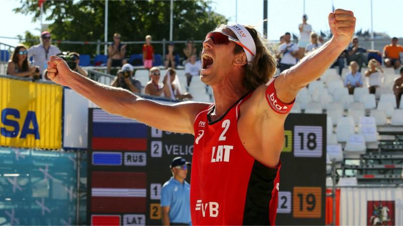 Latvijas dueti medīs olimpiskās atlases punktus Brazīlijas pludmalē