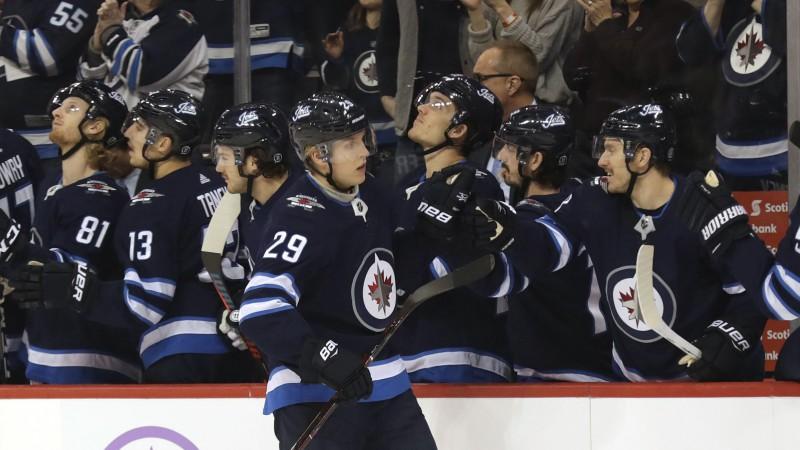 Laine kļūst par ceturto jaunāko 100 vārtus NHL guvušo spēlētāju