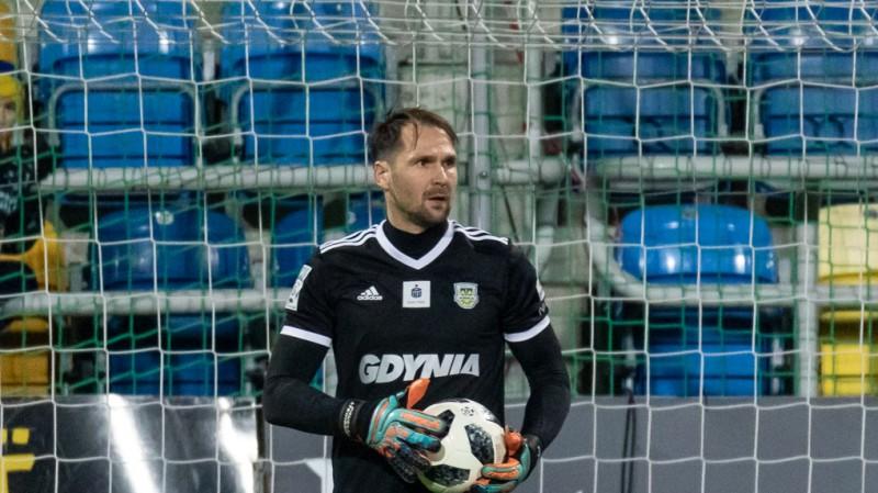 """Līgas labākā vārtsarga titulam nominētais Šteinbors palīdz """"Arka"""" noturēties Ekstraklasē"""