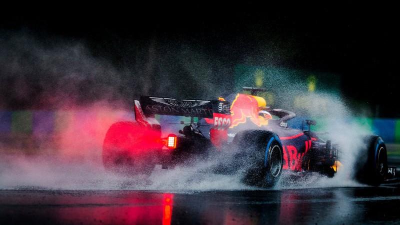 """""""Red Bull"""" komanda jau šobrīd paredz starta vietu sodus"""