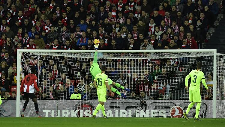 """""""Barcelona"""" gandrīz neapdraud vārtus, ter Štēgens glābj no zaudējuma Bilbao"""