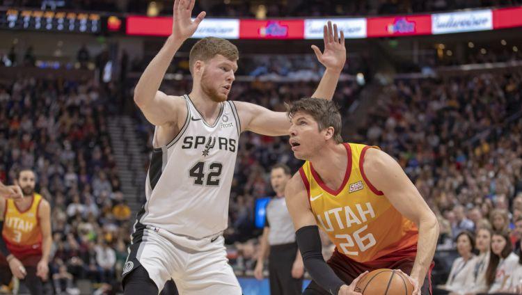"""Bertānam 11 punkti Jūtā, """"Spurs"""" ceturtā neveiksme pēc kārtas"""