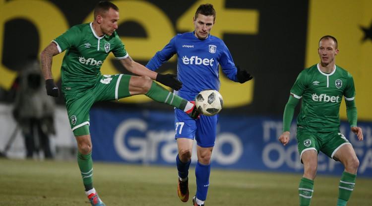 Kovaļovs debijā palīdz izcīnīt sensacionālu neizšķirtu pret Bulgārijas čempioni