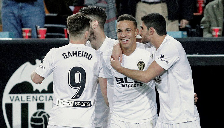 """Par """"Barcelona"""" pretinieci Karaļa kausa finālā kļūst """"Valencia"""""""