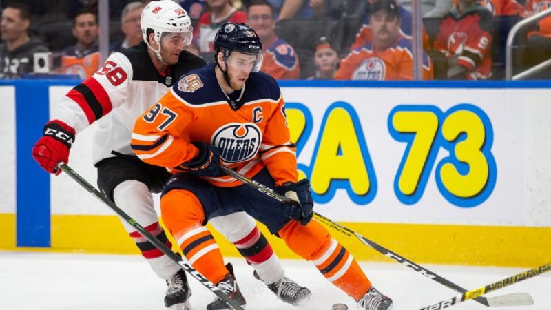 """Makdevids trešo sezonu pēc kārtas gūst 100 punktus, """"Oilers"""" zaudē """"Devils"""""""