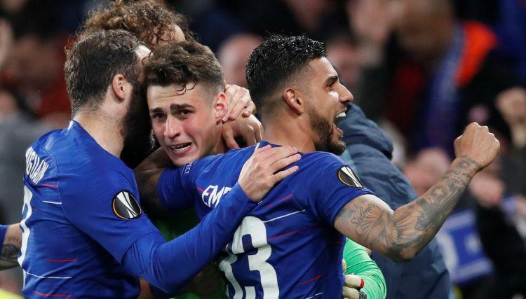 """Anglijai pilns komplekts: """"Chelsea"""" pendeļu drāmā sarūpē finālu pret """"Arsenal"""""""