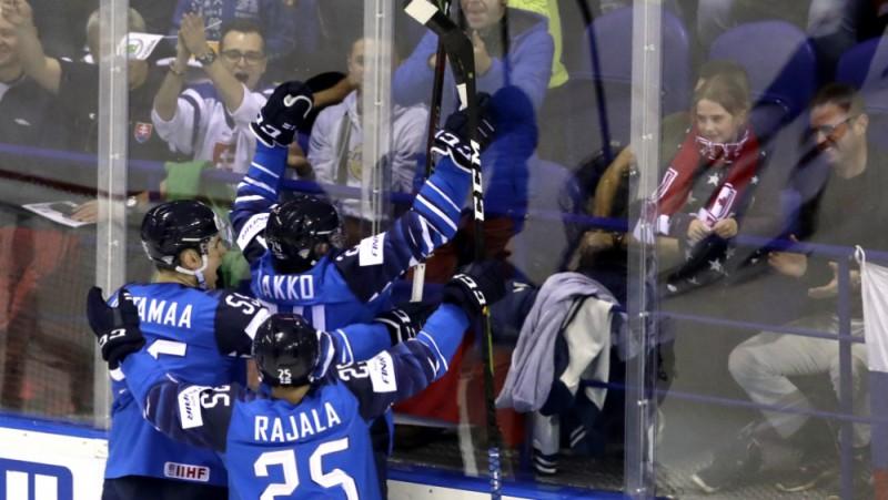 Kako gūst divus vārtus, Somija PČ sāk ar uzvaru pār Kanādu