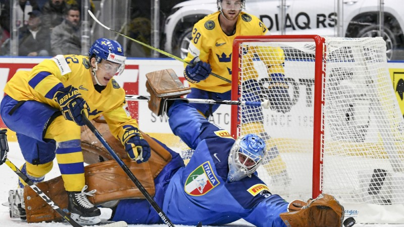 """Landeram """"hat-trick"""", Itālija negūst vārtus arī graujošā zaudējumā pret Zviedriju"""