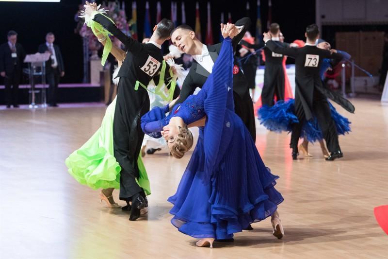 Latvijas pāriem panākumi Eiropas čempionātā Standartdejās Salaspilī