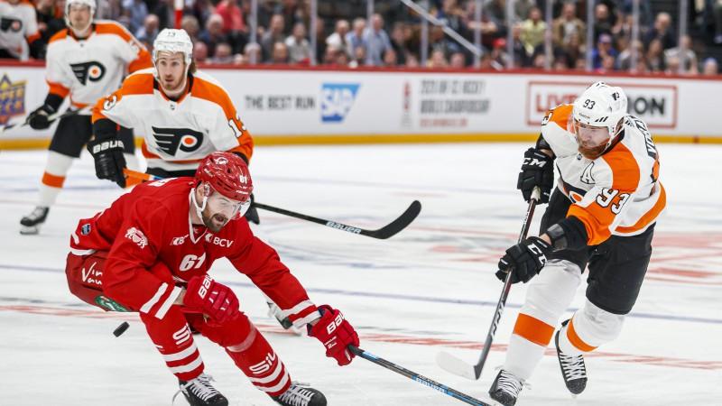 """Ķēniņš pirmajā maiņā, """"Lausanne"""" iegūst 4:0 vadību un pieveic """"Flyers"""""""