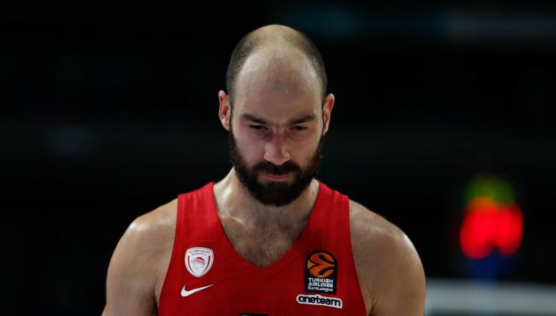 "No basketbola kluba ""Olympiacos"" ofisa nozagts pusmiljons eiro"